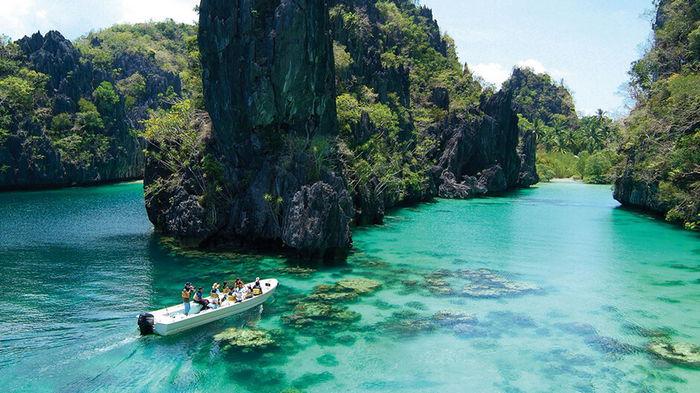 Таиланд планирует начать принимать туристов в ближайшие 120 дней — премьер