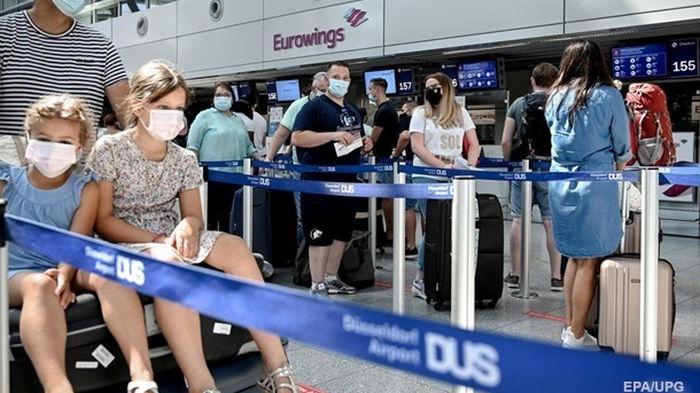 ЕС начинает открывать границы для граждан третьих стран