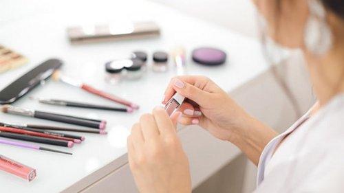 Опасная красота: ученые обнаружили токсичные вещества в косметике