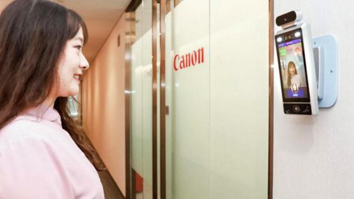 Canon установила в офисе умные камеры: они следят, чтобы сотрудники улыбались