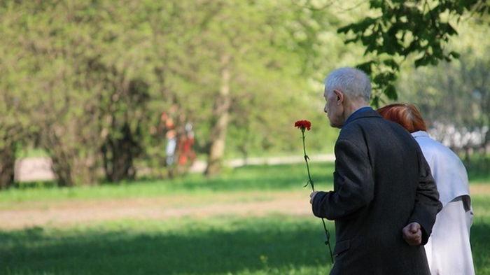 Названа средняя продолжительность жизни в Украине