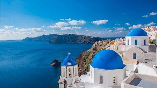 В Греции из-за туристической компании застряли 500 украинцев