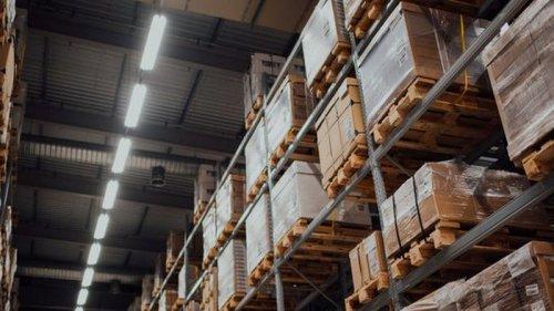 Уничтожение Amazon непроданной дорогой техники вызвало скандал в Британии