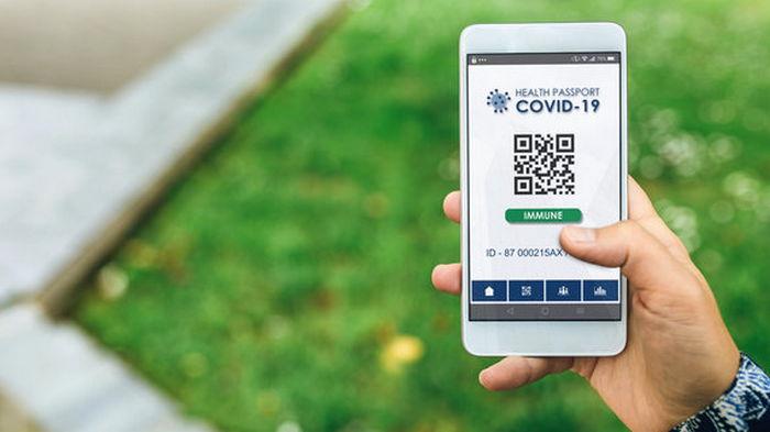 Кабмин утвердил введение COVID-сертификатов в Украине