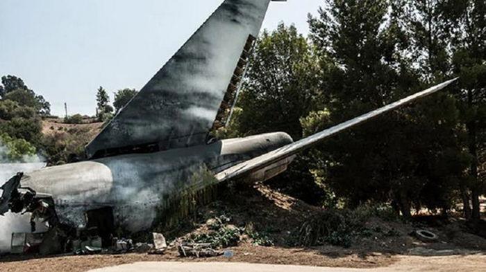 На Филиппинах разбился военный самолет