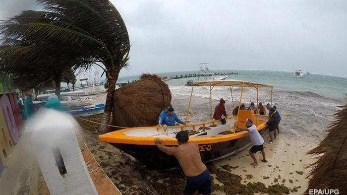 В Атлантическом океане сформировался ураган Эльза