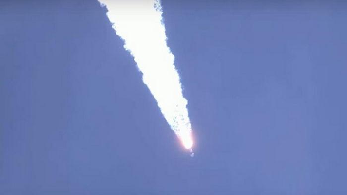SpaceX успешно вывел на орбиту 88 спутников