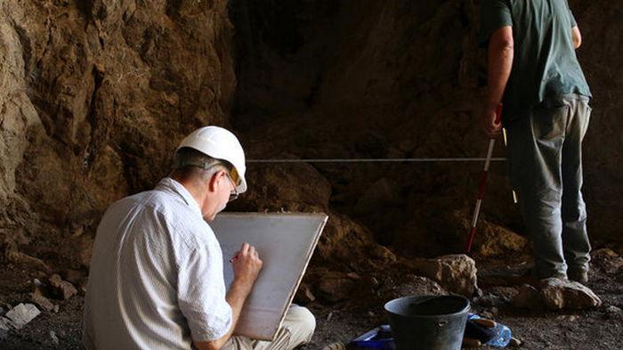 Доказательство абстрактного мышления у неандертальцев: Ученые нашли древнее украшение