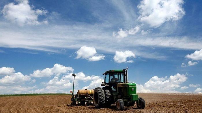 Нотариусы будут проверять сделки по покупке земли – министр