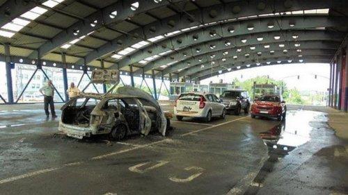 На словацкой границе чех поджег авто и пытался сбежать в Украину (фото)
