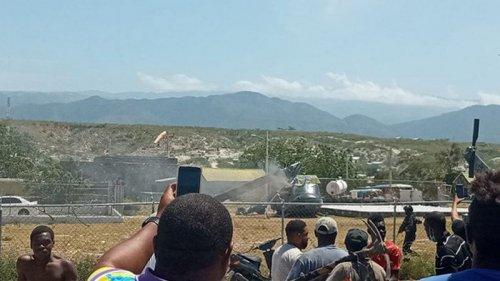 На границе с Гаити упал военный вертолет Доминиканы (видео)
