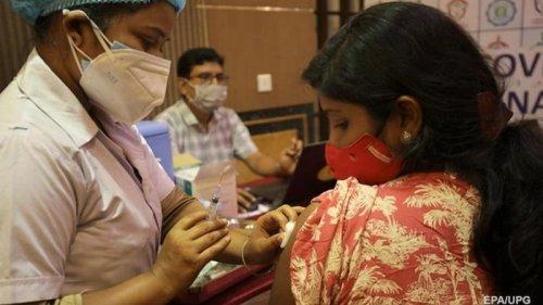 В Индии тысячи человек получили фейковую вакцину