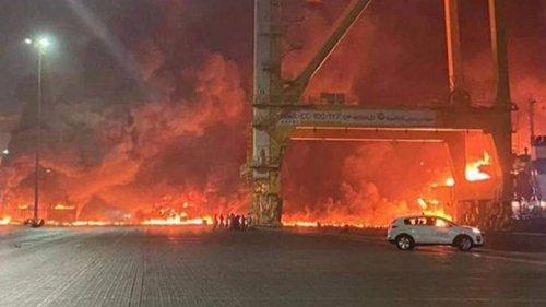 В порту Дубая прогремел мощный взрыв (видео)