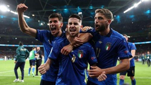 Италия в серии пенальти обыграла Испанию и стала первым финалистом Евро-2020