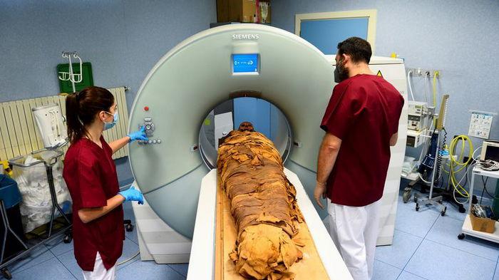 Древней мумии сделали томографию в итальянской больнице