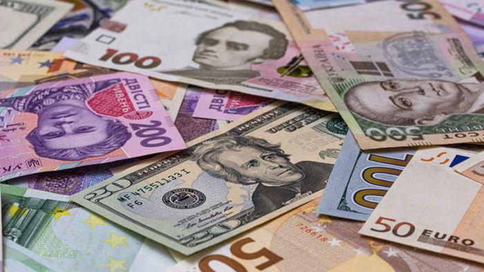 На межбанке курс евро вырос