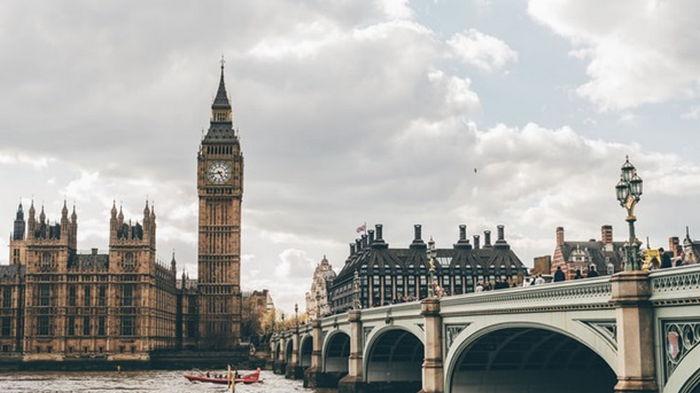 Британия сократит объемы помощи другим странам