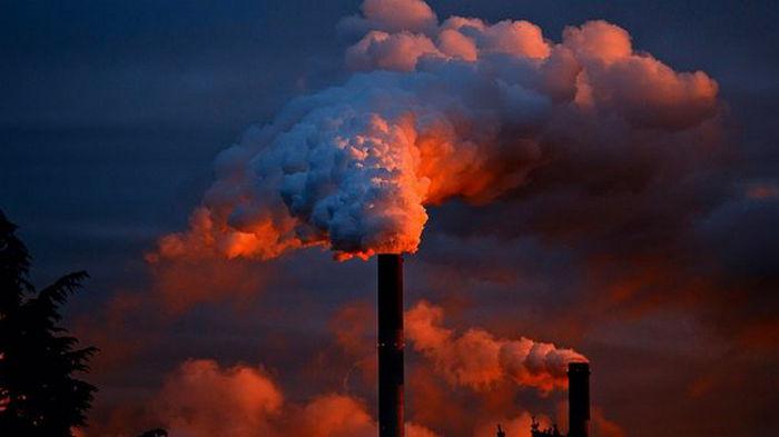 ЕС хочет заставить всех платить за выбросы СО2: что предлагает Еврокомиссия