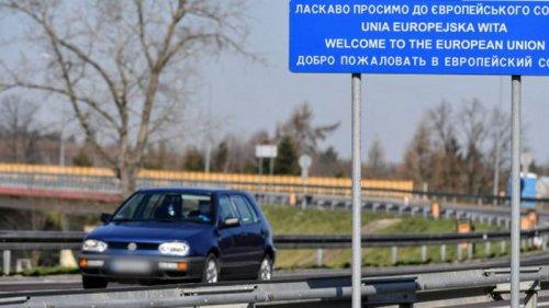 Пытались въехать по поддельным COVID-сертификатам. На польской границе задержали украинцев