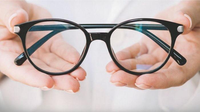Качественные очки в интернет-магазине «Восток Оптик»