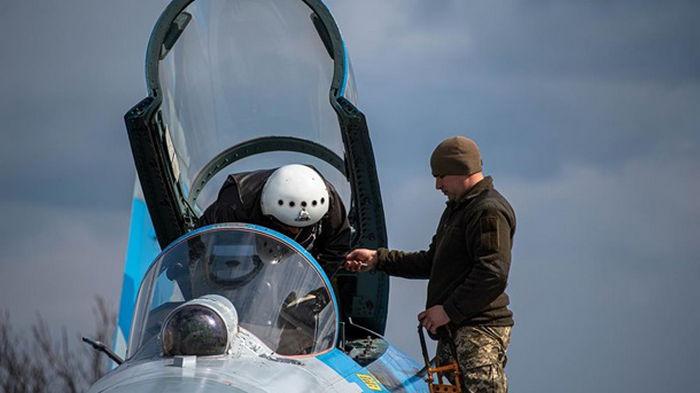 Летчики массово покидают ВВС Украины