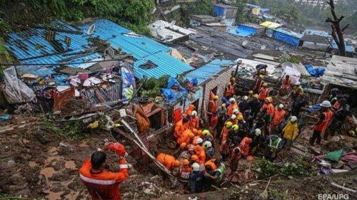 В индийском Мумбаи число жертв ливней превысило 30 человек (видео)