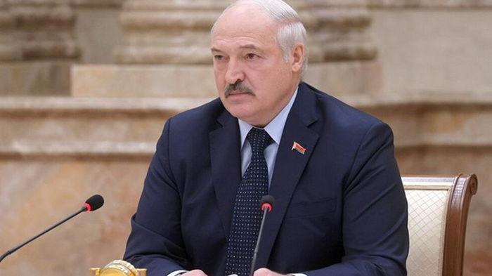Лукашенко распорядился сократить посольства в странах ЕС