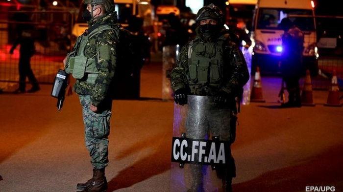 В тюрьмах Эквадора во время беспорядков погибло более 20 человек
