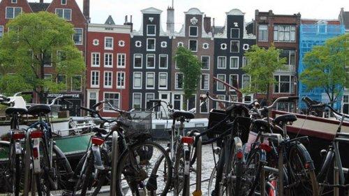Нидерланды начнут пускать всех украинцев