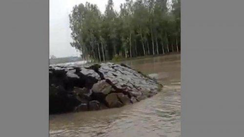 Редкий природный феномен в Индии попал на видео