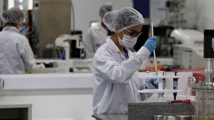США не будут отменять ограничения на поездки из-за штамма коронавируса Дельта