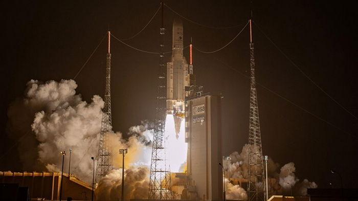 На орбиту вывели первый перепрограммируемый спутник связи