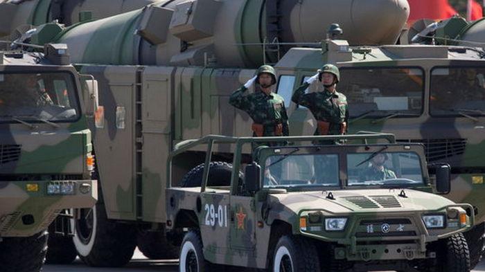 Китай строит больше 200 шахт для ядерных ракет. Они обгонят по количеству бомб Россию – FT