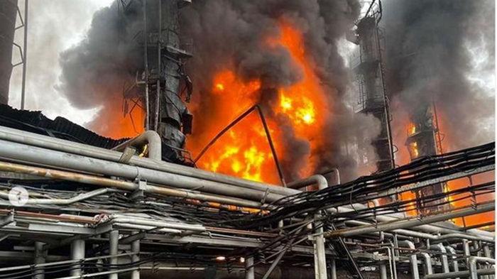 Поставки по трубе Ямал-Европа упали в два раза из-за пожара