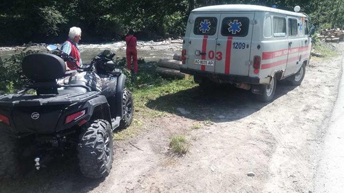 В Карпатах эвакуировали туристов с отравлением (фото)