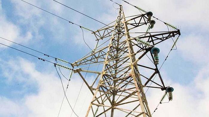 Кабмин снижает тарифы на электроэнергию