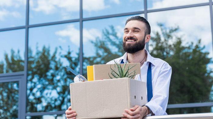 В Минэкономики сообщили об уменьшении количества безработных на треть