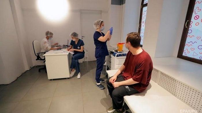 В Украине рекордное число прививок за неделю