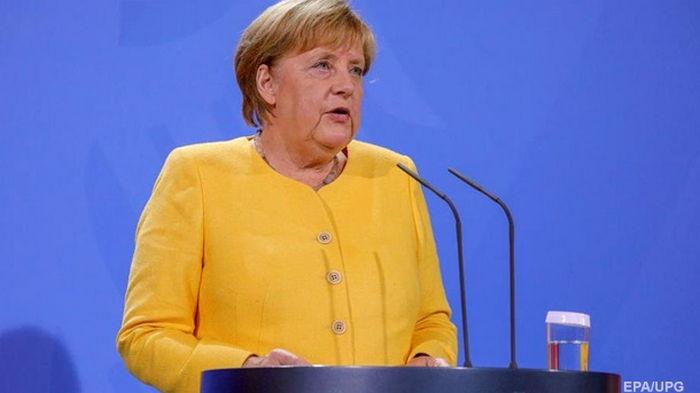 Лукашенко использует мигрантов для подрыва безопасности ЕС - Меркель
