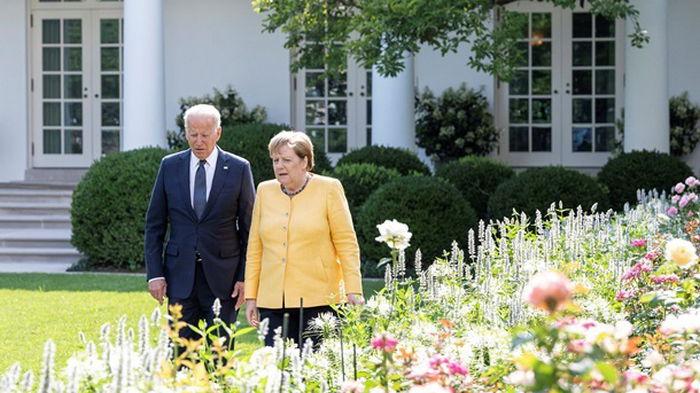 Меркель и Байден обсудили Афганистан