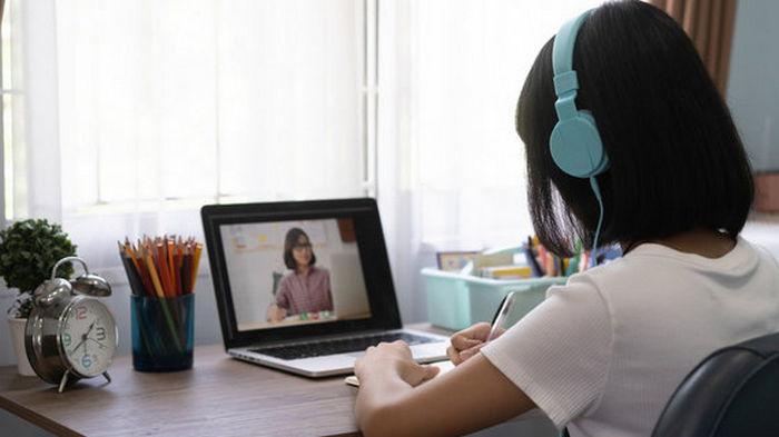 Минобразования планирует обеспечить компьютером каждого учителя к 2024 году