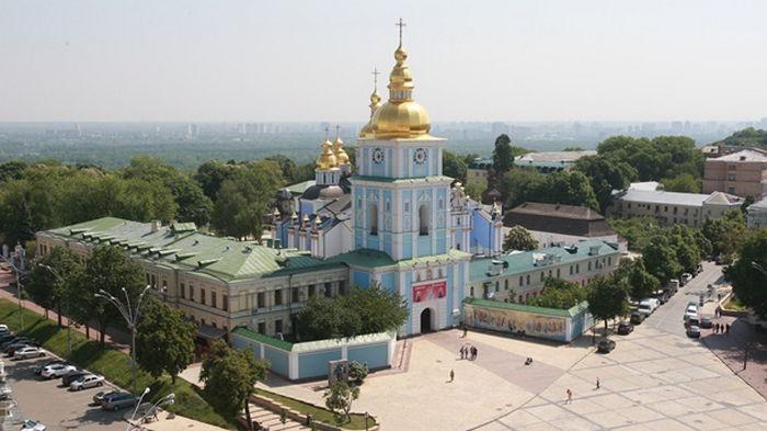 Украину стало посещать больше туристов из Азии и меньше из Европы