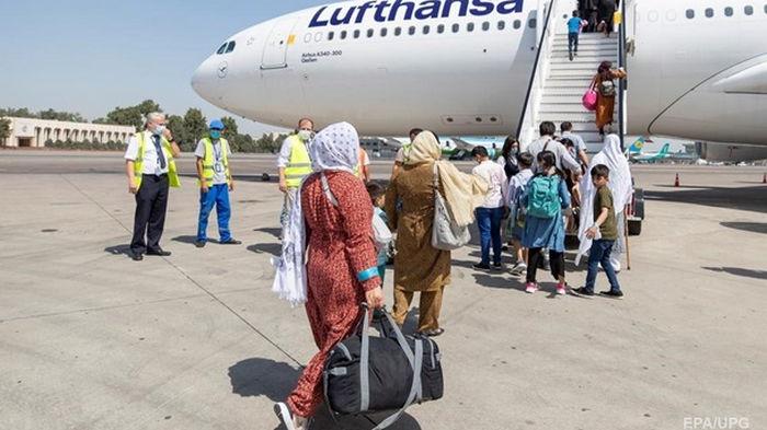 Всех эвакуированных из Афганистана проверят на COVID-19