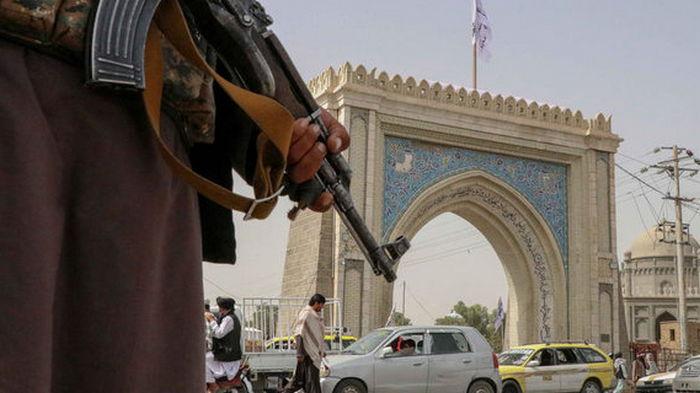 Во время беспорядков в аэропорту Кабула погибли семь человек
