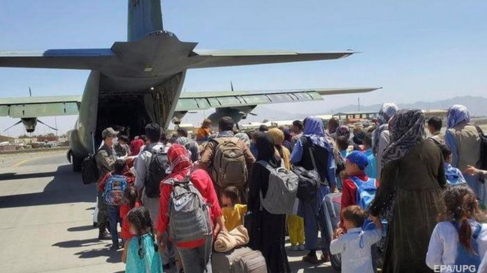 В Афганистане остаются 250 тысяч человек, работавших с США - СМИ