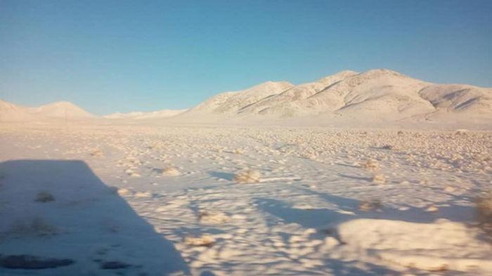 В самой сухой пустыне мира выпал снег (видео)
