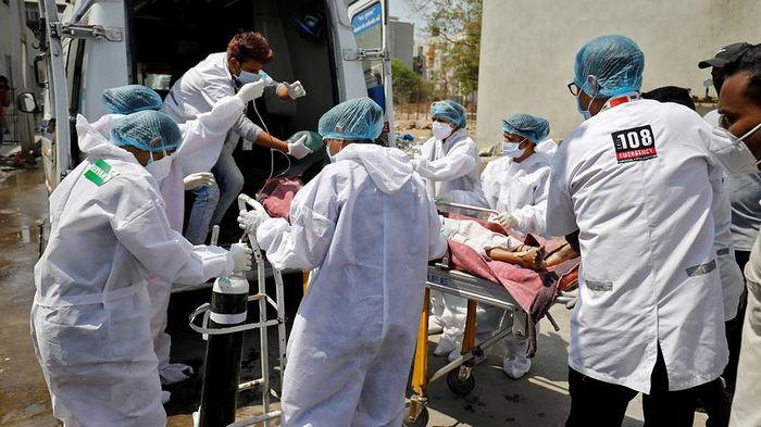 Случай для доктора Хауса. Мужчина на время потерял зрение после коронавируса