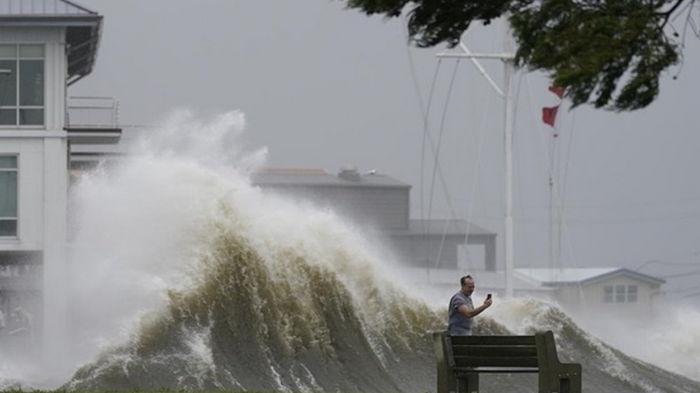 В США выросло число жертв урагана Ида
