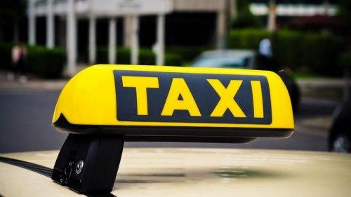 Таксистов обяжут устанавливать кассовые аппараты в телефоны