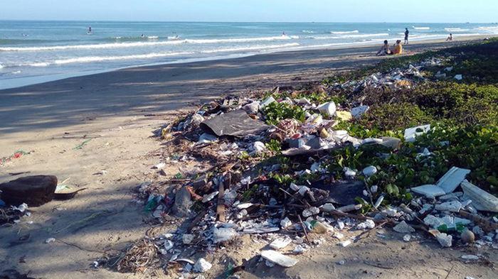 Через 20 лет пластика в океанах будет втрое больше - ООН